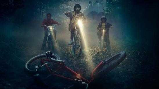 STRANGER THINGS Side-by-Side Comparison with 70s - 80s Movie Inspirations [Video]