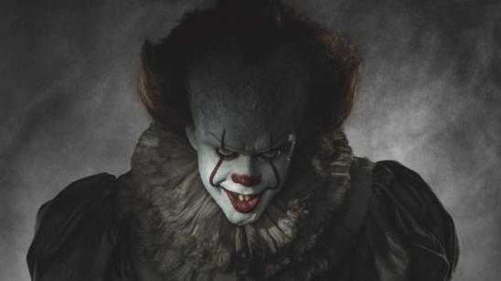 Scary First Look at PENNYWISE in Full Costume!