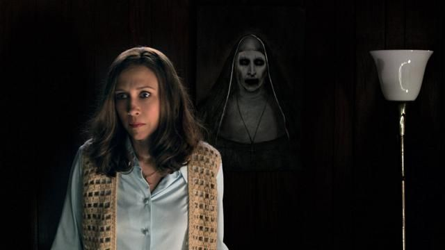 Best Two-Way Mirror Scare Prank Featuring THE CONJURING 2 NUN [Video]