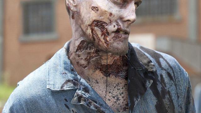 New Zombie Photos for AMC The Walking Dead Season 3