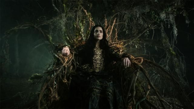 First Look at WGNs Salem Season 2 - Throne Still / Banner Art