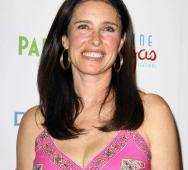 Mimi Rogers Joins Starz's Ash vs. Evil Dead TV Series