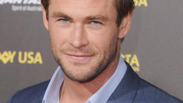 Chris Hemsworth is the Receptionist in Paul Feigs Ghostbusters (2016)