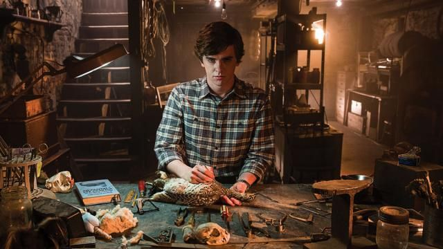 A&E Confirms Bates Motel Season 4 and Season 5