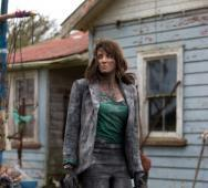 [Photo] First Lucy Lawless in Ash vs Evil Dead Photo