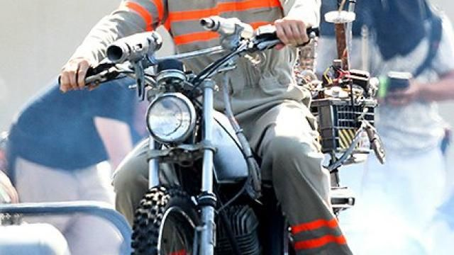 First Look at Chris Hemsworth in GHOSTBUSTERS Reboot