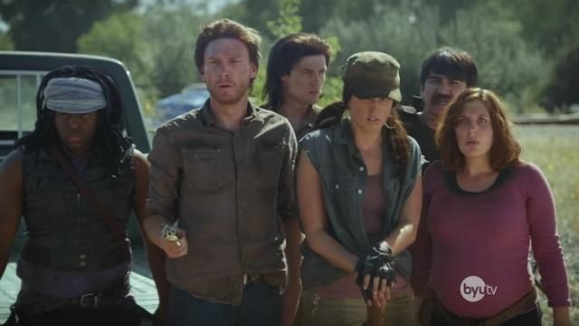 How To Survive THE WALKING DEAD - Comedy Sketch [Video]