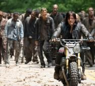 Watch the First Four Minutes of THE WALKING DEAD Mid-Season 6 Premiere [Video]