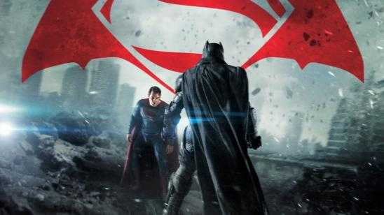 BATMAN V SUPERMAN Easter Eggs \ References [Video]