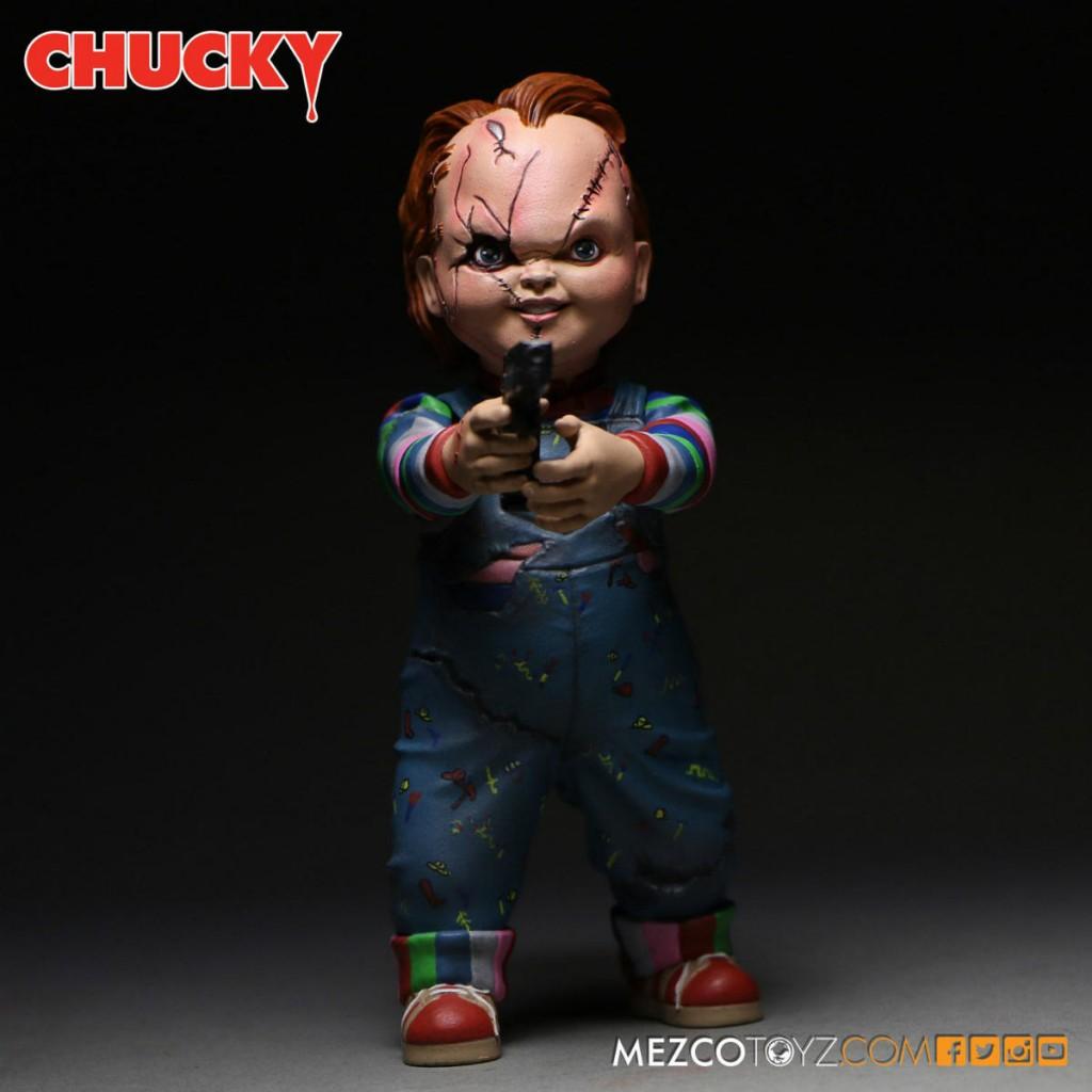 Chucky Mezco Action Figure 01