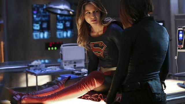 SUPERGIRL Season 1 Finale Photos Revealed