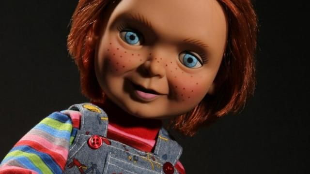 Mezco Toys Announces CHILDS PLAY Talking CHUCKY DOLL