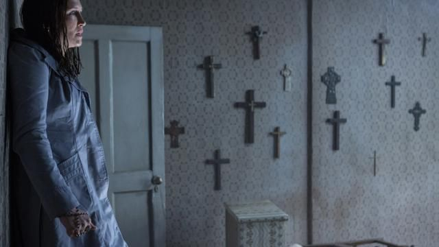 THE CONJURING 2 Featurette REDEFINING HORROR [Video]
