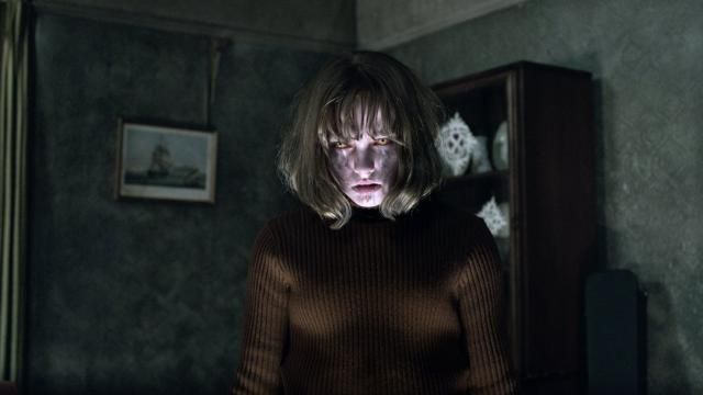 THE CONJURING 2 Photo Gallery of Hauntings in the Hodgson Home / Enfield Poltergeist