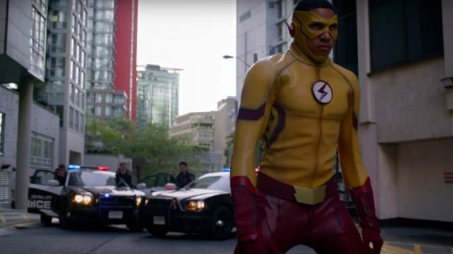 San Diego Comic-Con 2016: CWs THE FLASH Teaser Trailer