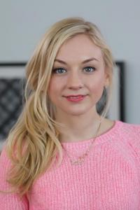 Emily Kinney photo